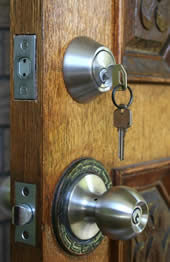 Our locking and unlocking service offers business continuity - every day